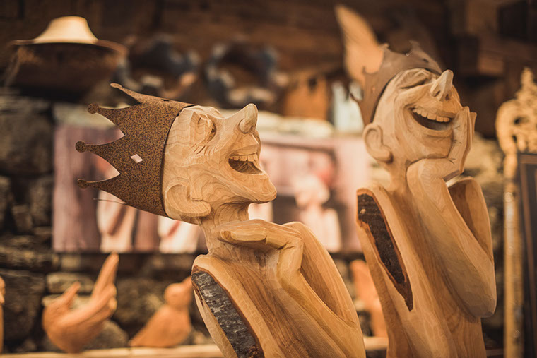 the art of making wood smile